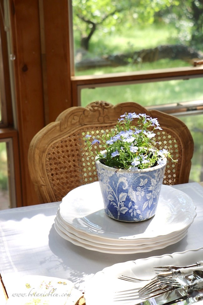 French Country Everyday Table Setting is simple