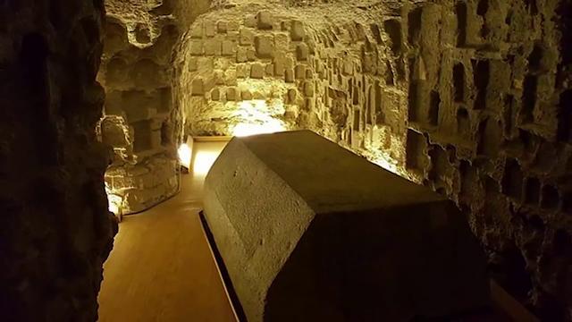 24-Solid-Ashwin-Granite-Boxes-The-Serra-Pium-of-Saqqara-amazing-discoveries