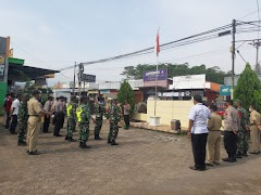 Cegah Penyebaran Covid-19, Polsek Limpung Gelar Operasi Yustisi Bersama Personel Koramil