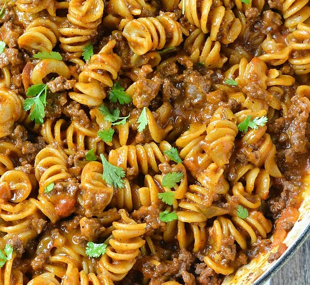 One-Pot Cheesy Taco Pasta #sweetdinner #creamy
