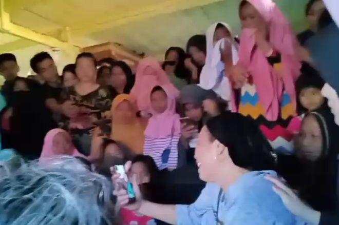 Ibu Korban Laka Maut di Cina Bone Sedang di Mekkah, Keluarga Hanya Bisa Video Call