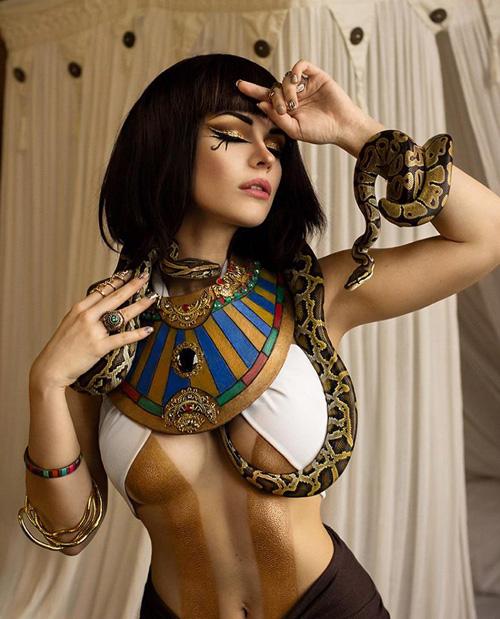 Irina Meier se transformar en Cleopatra desde Assassins Creed origins