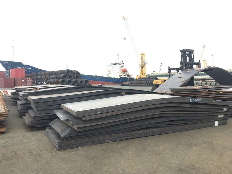 Lô tấm đóng tàu NK nhà máy Hyundai cập cảng TPHCM và Hải Phòng