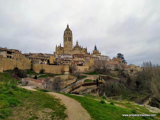 paseo por los alrededores de Segovia y la muralla