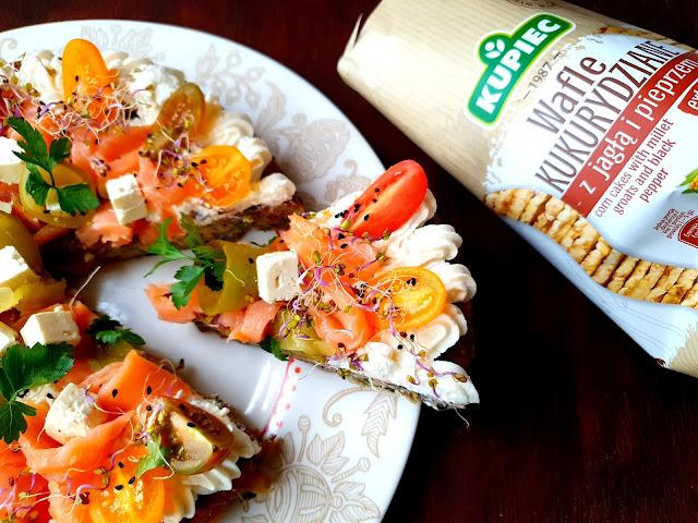 Kupiec, wafle kukurydziane,omlet,przekąska na imprezę,przystawki na imprezę,dania na domówkę,proste przekąski,przekąska,antipasto,zdrowe przekąski,torta salata,omlet warzywny,omlet jajeczny,zdrowa radosc zycia