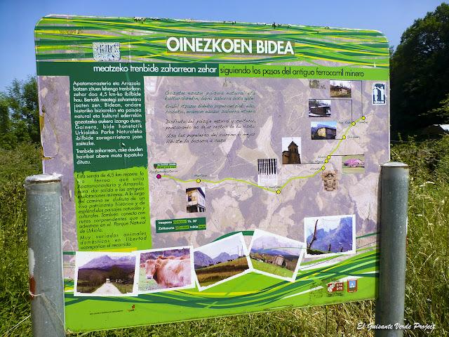 Via Verde de Arrazola, cartel de la ruta por El Guisante Verde Project