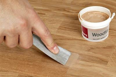 sửa chữa vết nứt sàn gỗ tự nhiên