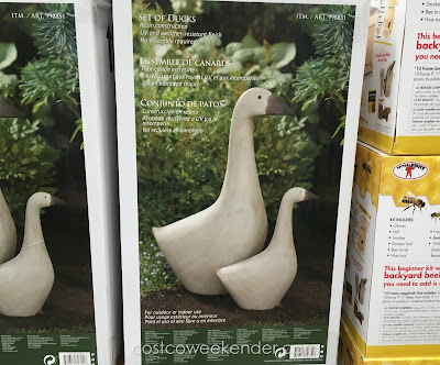 Decorate your property with a Set of 2 Ducks Outdoor Resin Statuary