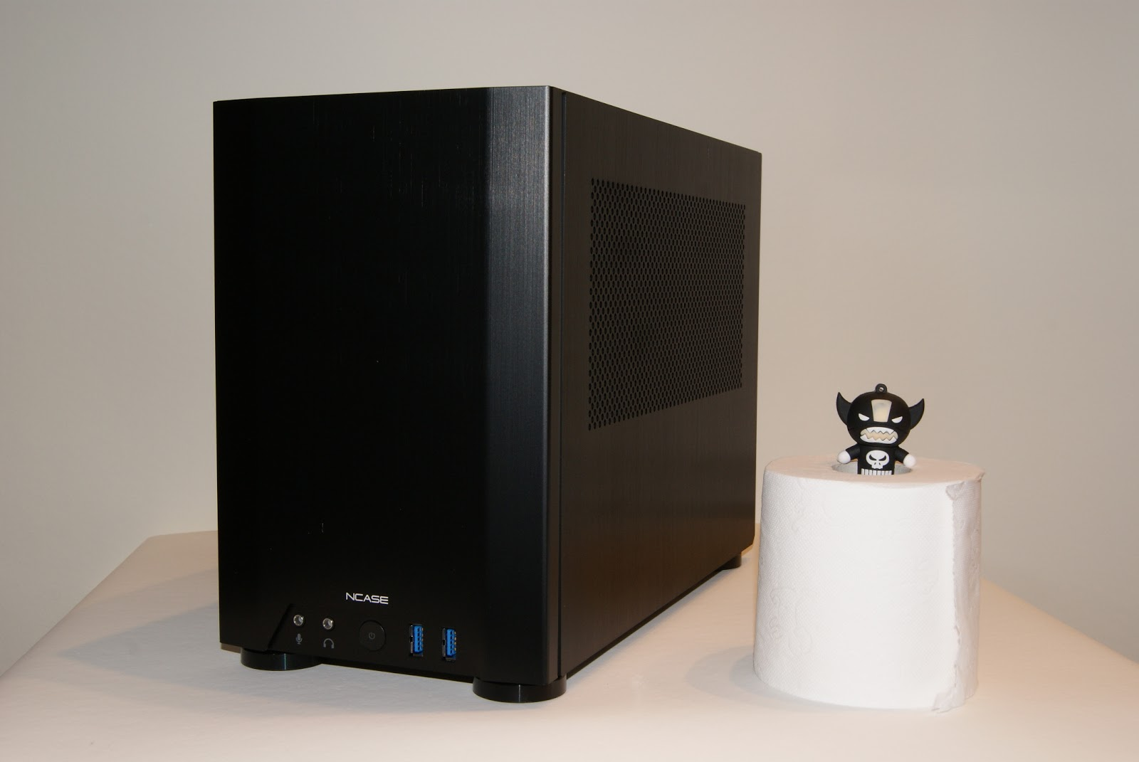 NCASE M1, caja Mini-ITX para PC Gamer