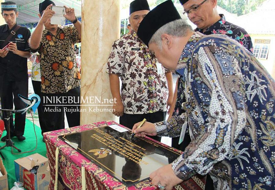 Masjid Terpadu Pertama di Kebumen Diresmikan Gus Yazid