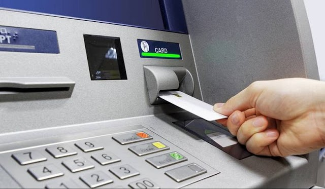 Τι μπορείτε να κάνετε στα ΑΤΜ και με τι κόστος - Οι προμήθειες ανά τράπεζα
