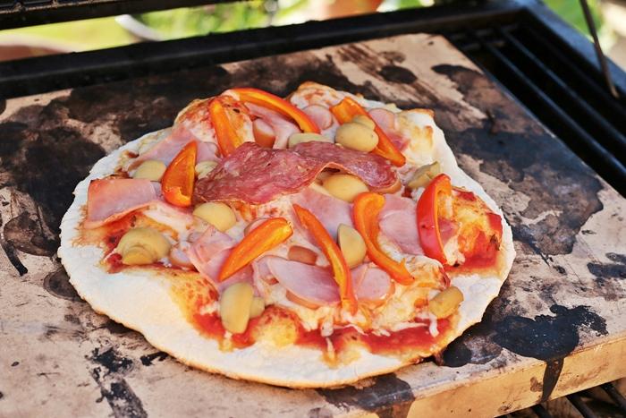 pizza auf dem grill backen fashion kitchen