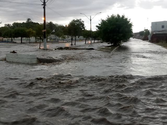 Delmiro Gouveia registra chuvas no último dia do ano de 2019