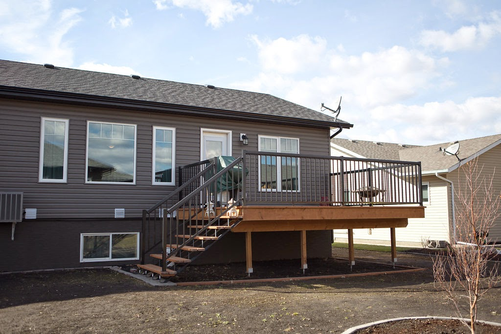 DECK, OUTDOORS, outdoor living, peaceful, royal lepage, carman, manitoba, realtor, real estate,