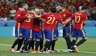 spanyol memastikan diri lolos ke babak 16 besar
