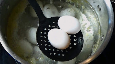 How to boil easy to peel hard boiled eggs