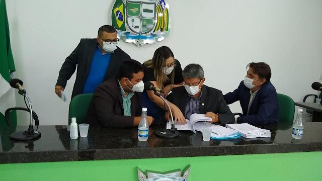 Comissão opina pela rejeição das contas de Paulo Martins