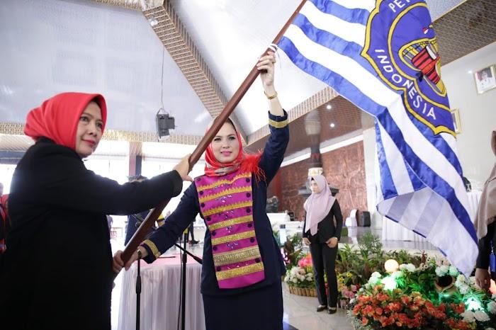 Ibu Yustin Lantik EIlya Lusiana Loekman sebagai Ketua Umum Pengkab Persatuan Drumband Indonesia Lampung Tengah