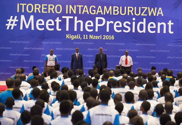 Perezida Paul Kagame yasabye urubyiruko rwasoje itorero ry'Intagamburuzwa, ko rukwiye guharanira kurwanira igihugu cyarwo mu gihe bibaye ngombwa.