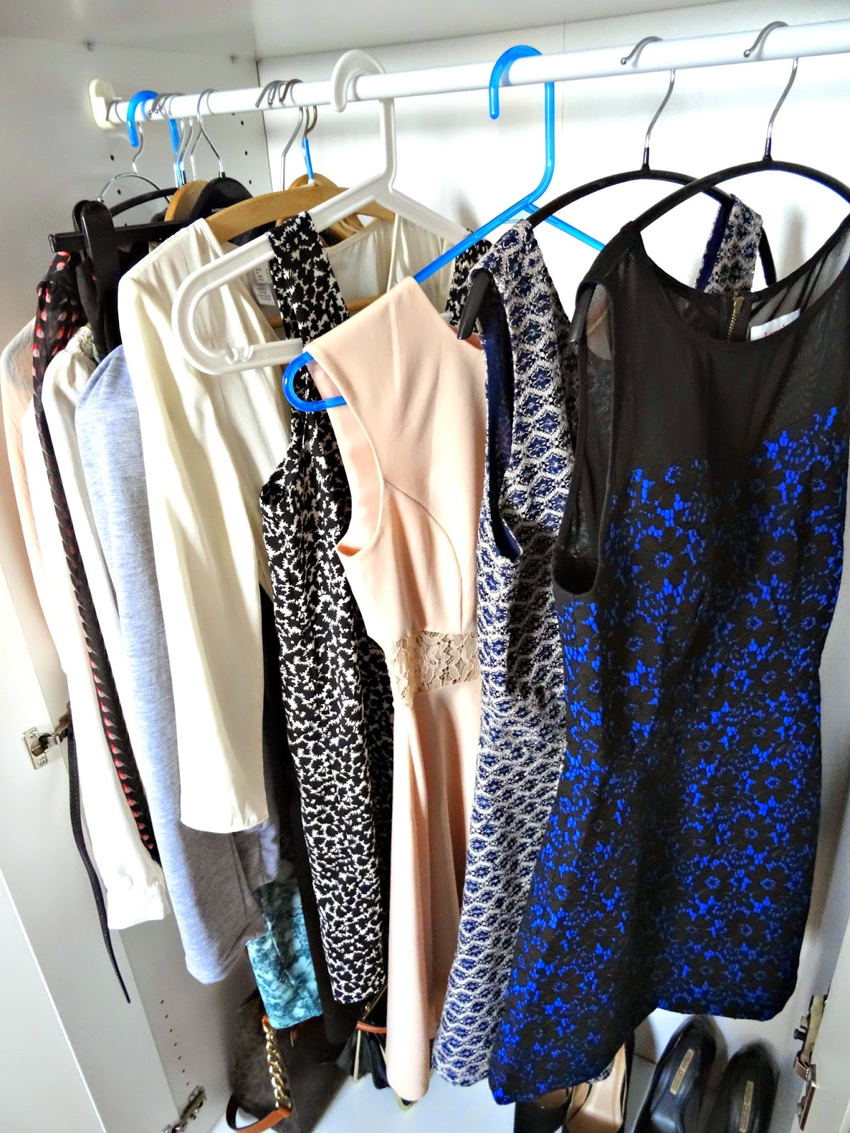 How to hang up dresses and blouses