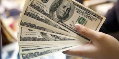 US dollar declines as rate-hike expectation dims
