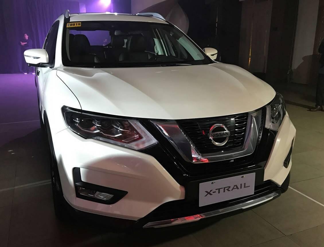 Nissan X-Trail (Pearl White)