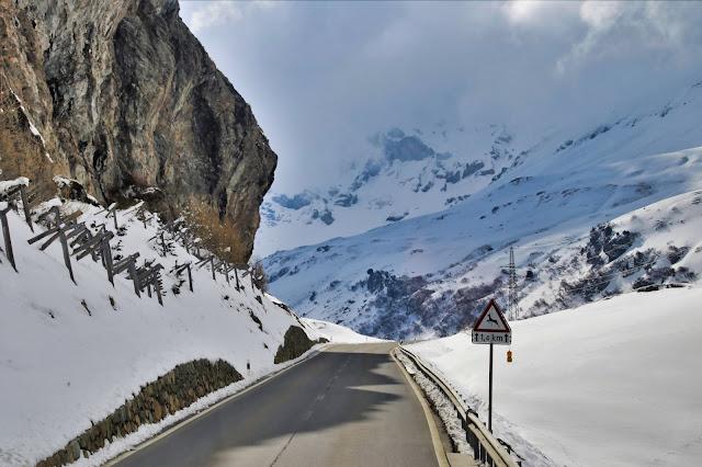 Podróżowanie samochodem po Szwajcarii