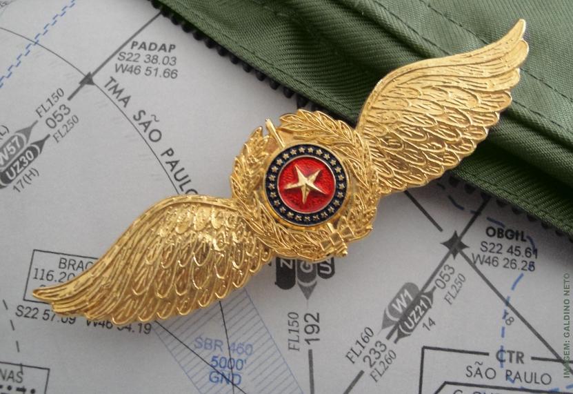 medalhistica militar paulista distintivos dos cursos de aviacao da policia militar paulista
