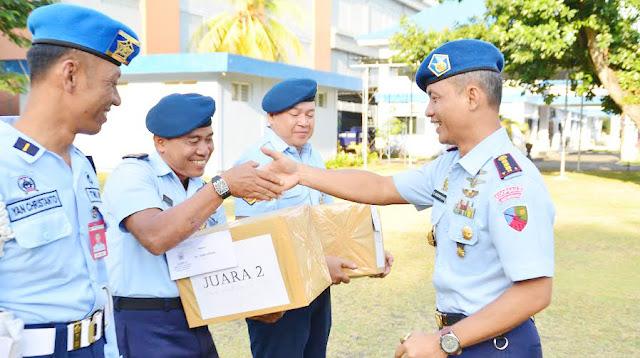 Lanud RAI: Upacara Bendera, Dilanjutkan Jam Komandan Laras Post Laras ...