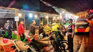 Gelar Patroli Malam, Polsek Nagreg Polresta Bandung Imbau Masyarakat Patuhi Prokes