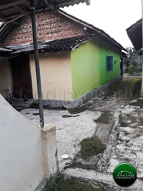 Tanah Bonus Rumah dekat Pasar Ngluwar
