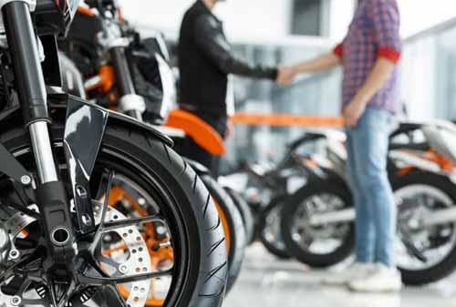 Tips Memilih Sepeda Motor untuk Perempuan