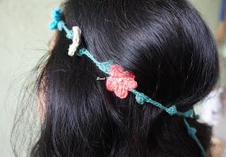 free crochet floral headband pattern, free crochet flower motif pattern