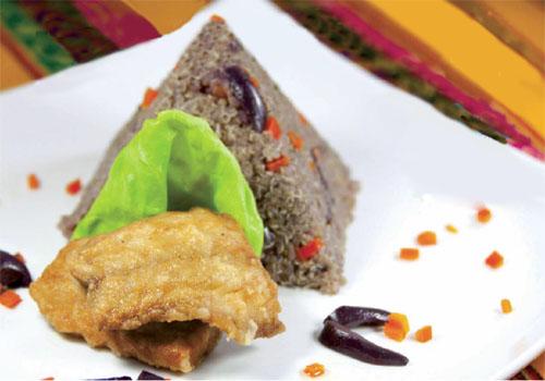 Quinua al olivo con pescado frito