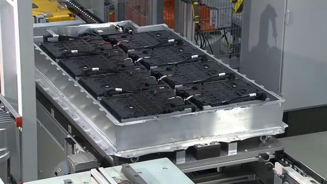 تصميم بطاريات جديد يجعل السيارات الكهربائية تشحن في 10 دقائق فقط