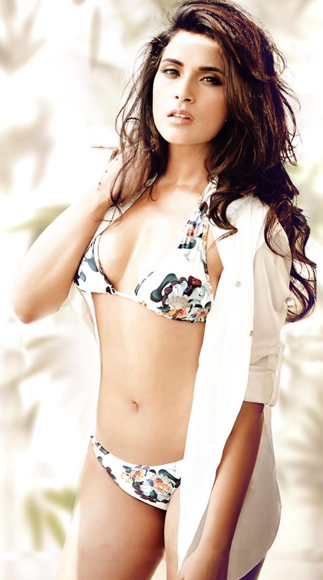 Richa Chhada- Bikini Hot & bold New Bollywood Actress Pics 2016 on maxim