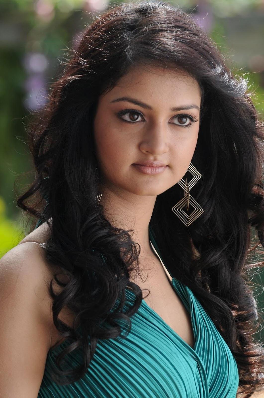 cute shanvi telugu actress heroine stills latest lovely sanvi tamil film wallpapers actor movies telug onewallpapersfortollyto3d