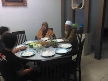 Jemput Emak Dan Abah Mertua Berbuka Di Rumah