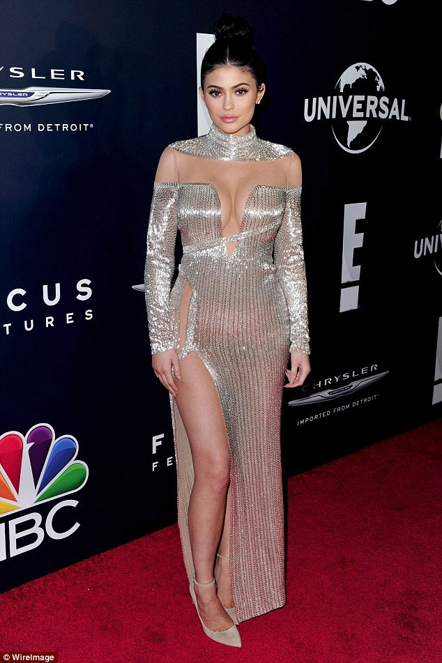 Kylie and sister Kendall Jenner step out at Golden Globes Awards