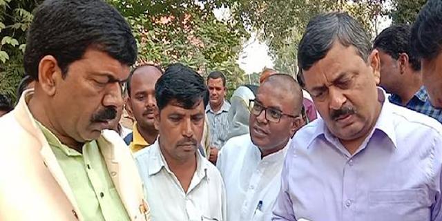 SDM ने मुआवजा मांगने आए किसान को चांटा मारा