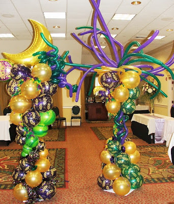 Mardi Gras balloon column