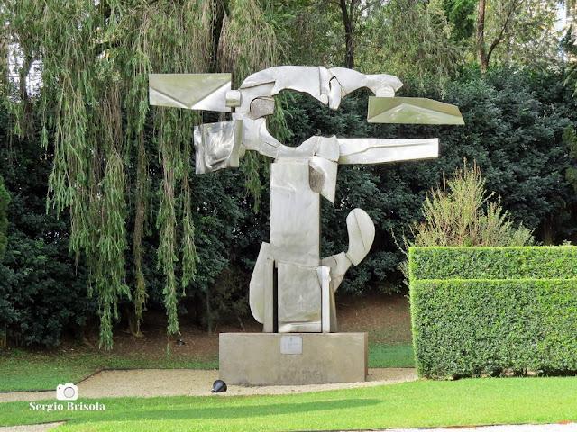 Close-up da Escultura Árvore - Museu de Arte Brasileira - São Paulo