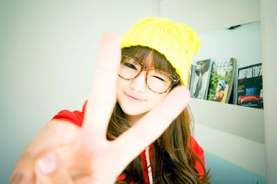cute-girl-glasses-korean-ulzzang-Favim.c