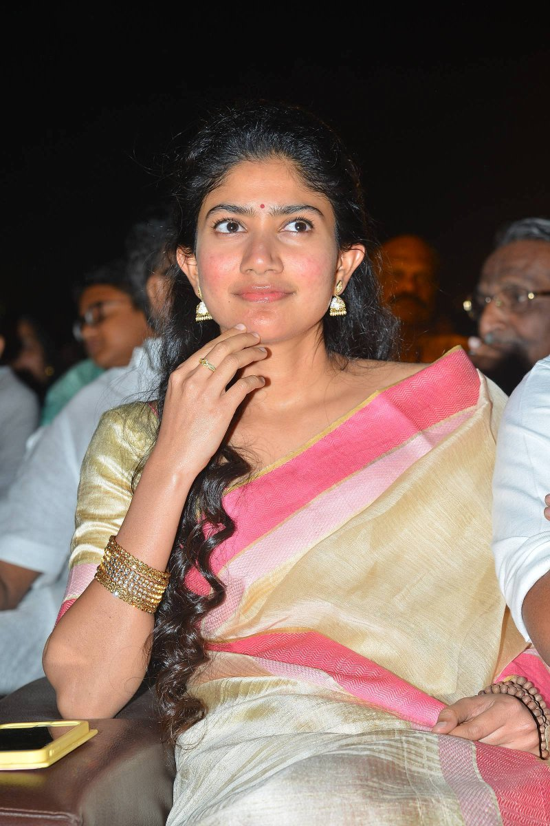Actress Saipallavi Latest HD Images