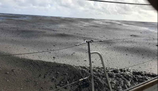Una horda de rocas flotantes del tamaño de Manhattan viaja por el océano Pacífico.