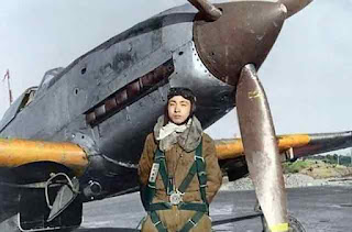 Japanese pilot and Ki-61 fighter color photos worldwartwo.filminspector.com