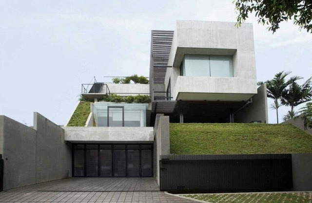 2-Story House Model on High Land