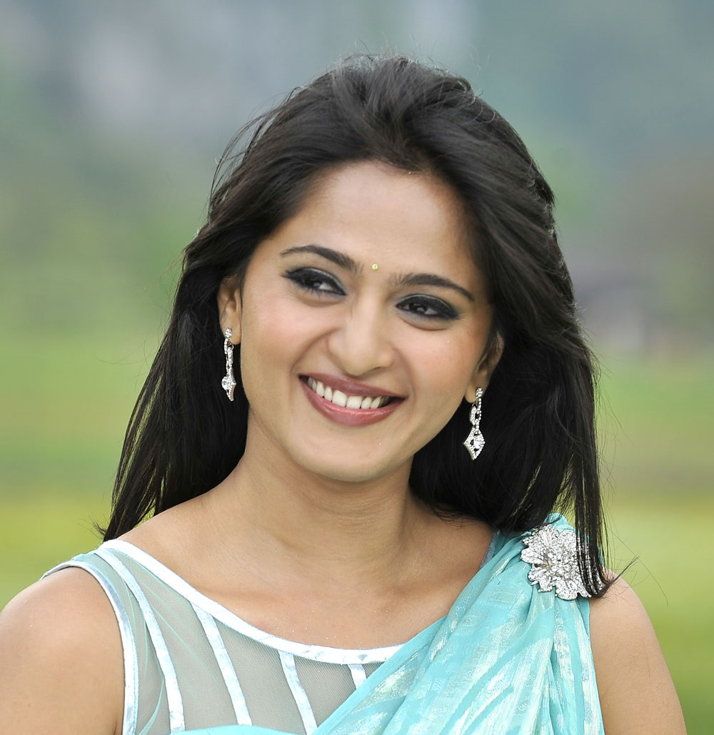Anushka Face Close Up Photos In Blue Saree