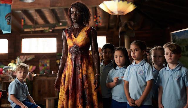 Tráiler oficial de 'Little Monster', una comedia sobre zombies con Lupita Nyong'o