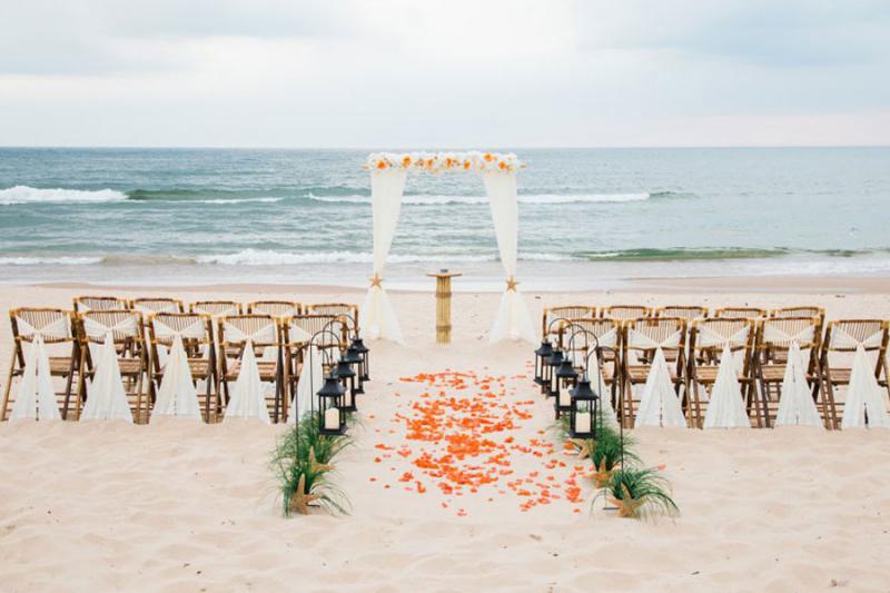 Pernikahan di Tepi Pantai